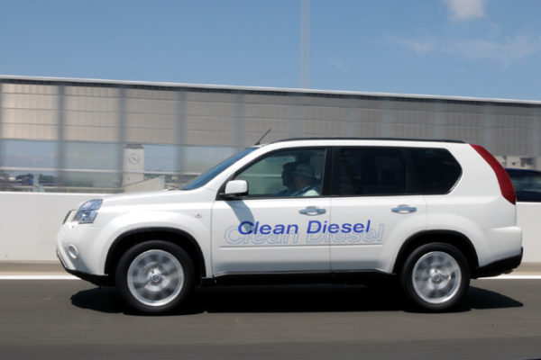 エクストレイルディーゼルターボの実燃費と評価