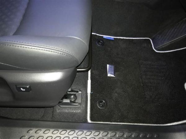 C-HR LEDエディション 内装の違い
