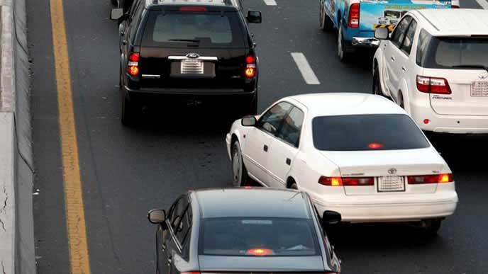 女性に嫌われる運転 車線変更が下手