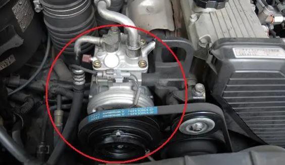 車のエアコンが冷えない原因はコンプレッサー