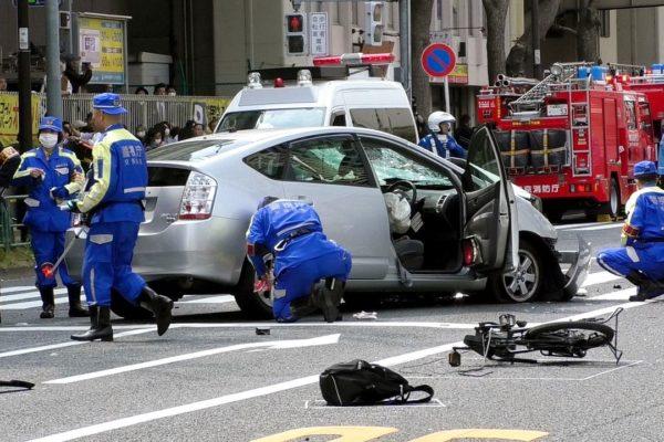 車の保険は1日だけならコンビニで加入!メリットデメリットは?