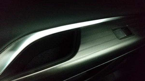 新型ハリアー内装 黒ブラック