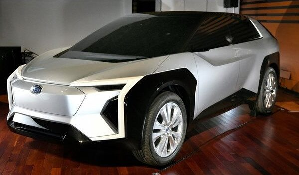 EV車とは?PHEV、PHVとの違いを解説!トヨタスバル共同開発の画像!